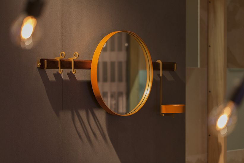 Ren - Wall mirror with hangers