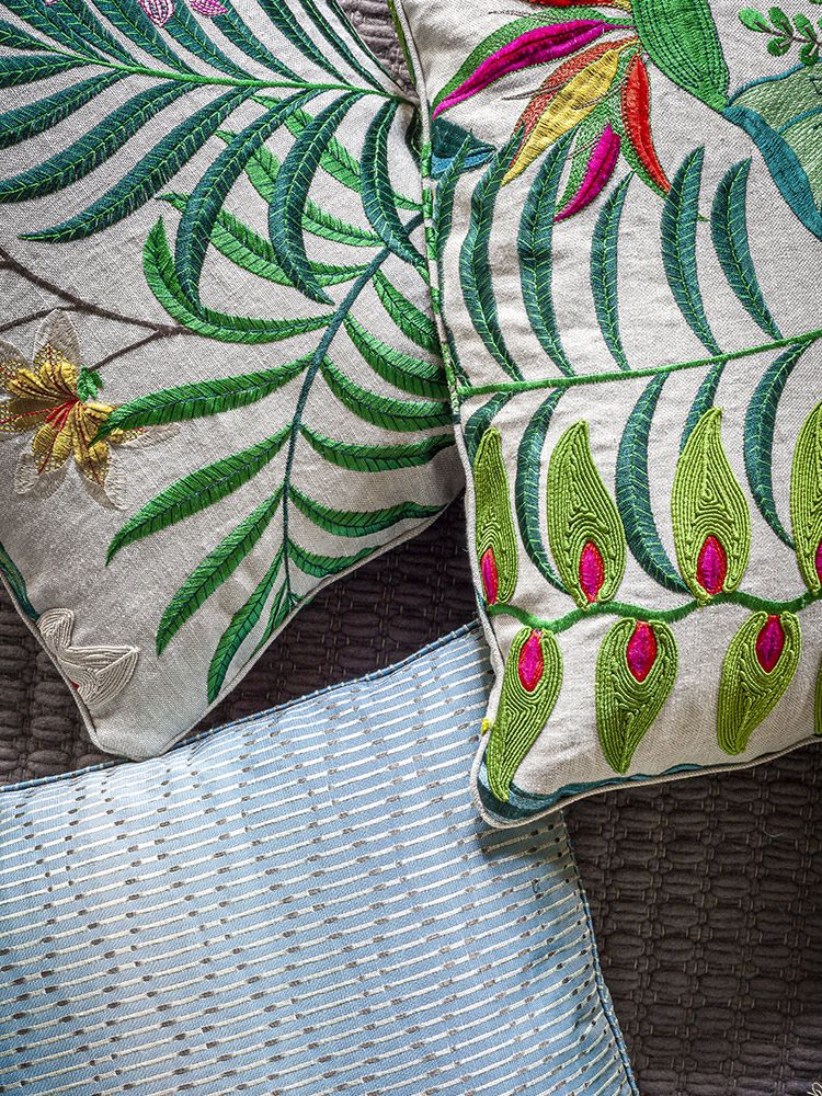 The Decorative Cushions mobile